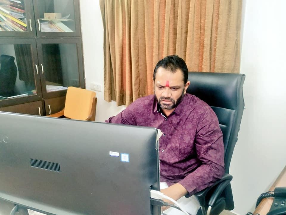 ભારતીય લોકશાહી અને રાજનીતિના ઇતિહાસમાં સૌથી કાળા અધ્યાય સમાન 'કટોકટી' પર ભાવનગર મહાનગર અને બોટાદ ભાજપ દ્વારા આયોજીત વિડીયો કોન્ફરન્સના માધ્યમથી કાર્યકર્તાઓને સંબોધન
